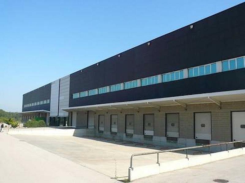 Nave industrial en alquiler en calle Pirineus, Celrà - 218929029
