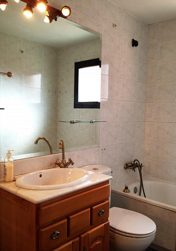 Baño - Ático en alquiler en calle Albacete, La Avanzada-La Cueva en Fuenlabrada - 355068421