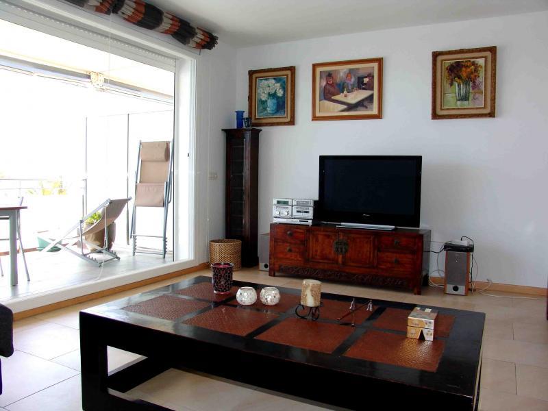 Salón - Apartamento en venta en calle Paseig de la Mar Mediterranea, Maritim en Cubelles - 117342071