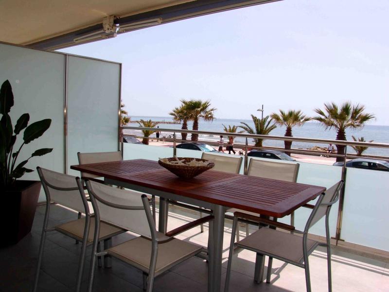 Terraza - Apartamento en venta en calle Paseig de la Mar Mediterranea, Maritim en Cubelles - 117342075