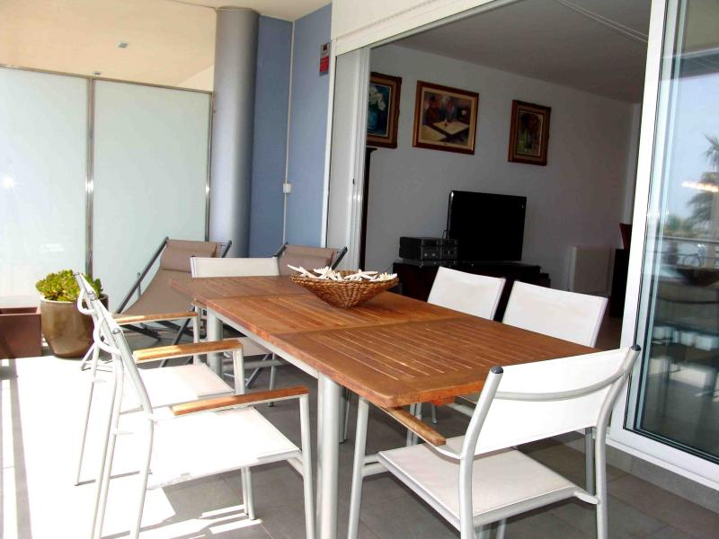 Terraza - Apartamento en venta en calle Paseig de la Mar Mediterranea, Maritim en Cubelles - 117342077