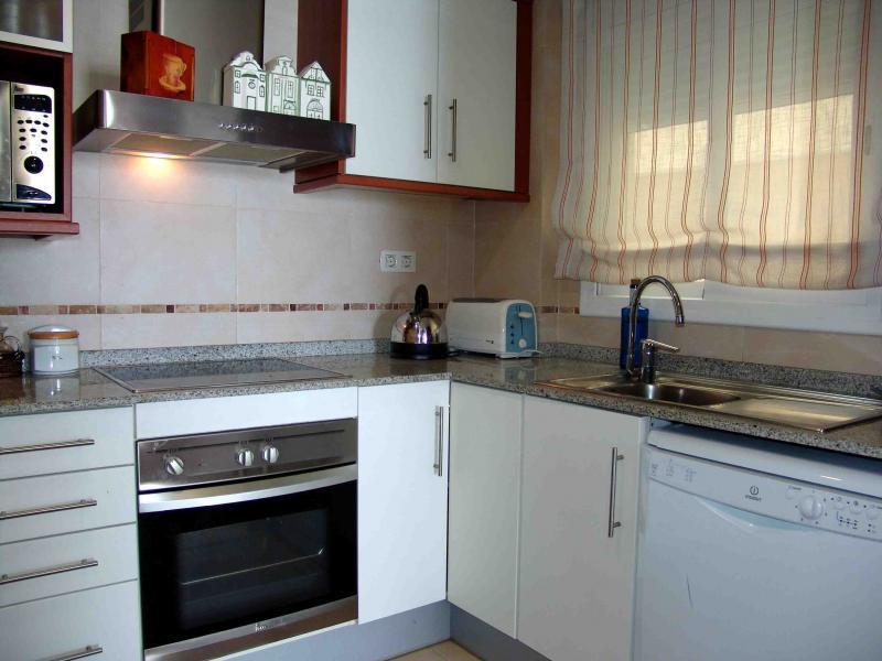 Cocina - Apartamento en venta en calle Paseig de la Mar Mediterranea, Maritim en Cubelles - 117342080