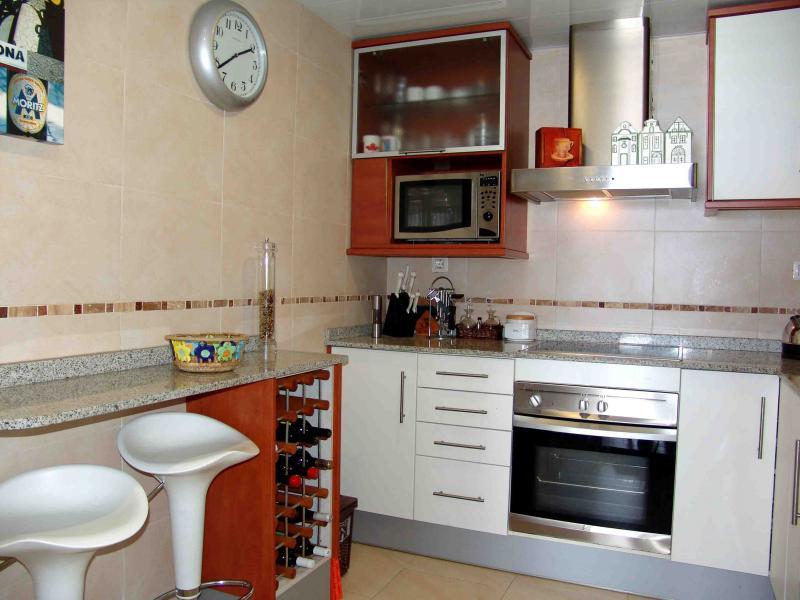 Cocina - Apartamento en venta en calle Paseig de la Mar Mediterranea, Maritim en Cubelles - 117342081