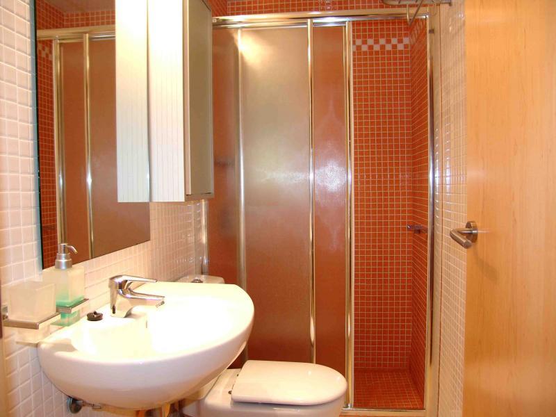 Baño - Apartamento en venta en calle Paseig de la Mar Mediterranea, Maritim en Cubelles - 117342082