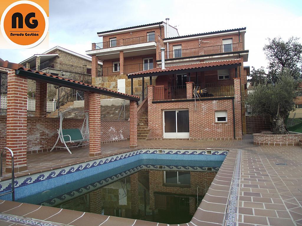 Casa pareada en venta en calle camelias manzanares el - Casas en manzanares el real ...