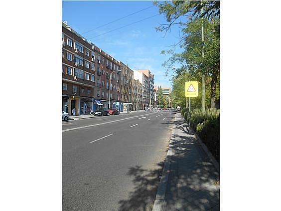 Piso en alquiler en calle De Valladolid, Moncloa en Madrid - 330983487