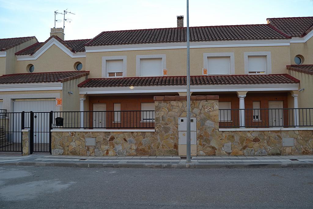 Chalet en alquiler en Albarreal de Tajo - 254579151