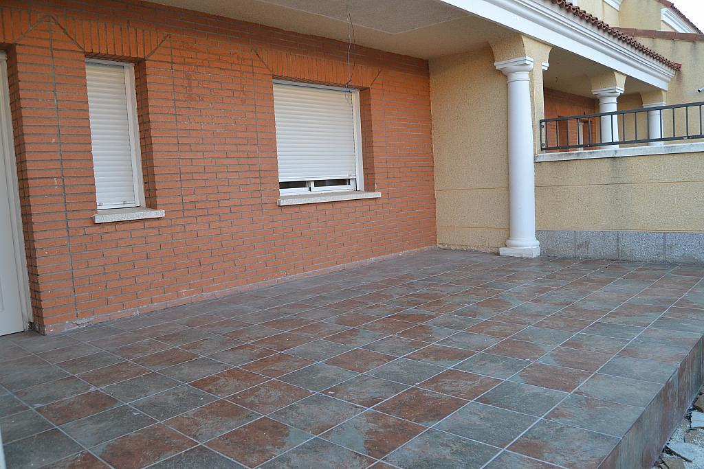 Chalet en alquiler en Albarreal de Tajo - 254579161