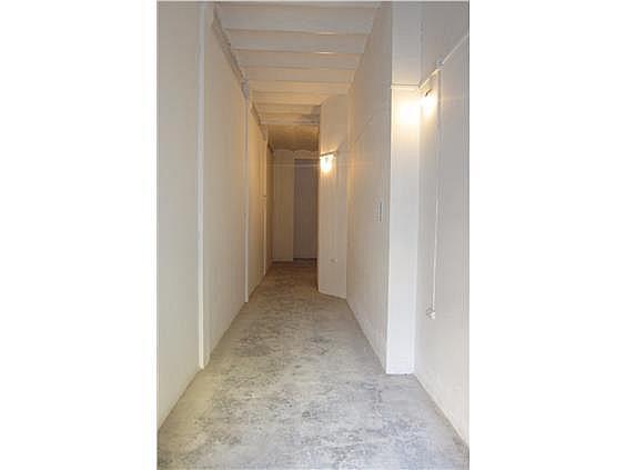Local en alquiler en calle Mistral, Sant Antoni en Barcelona - 233998437