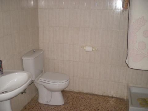 Baño - Local comercial en alquiler en calle Verge de Montserrat, Barbera del Vallès - 26471819
