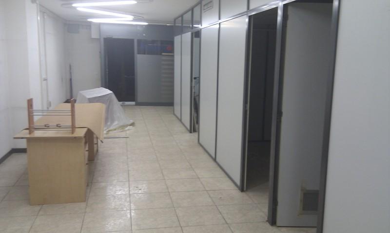Local comercial en alquiler en calle Pere Sanfeliu, Barbera del Vallès - 122985765