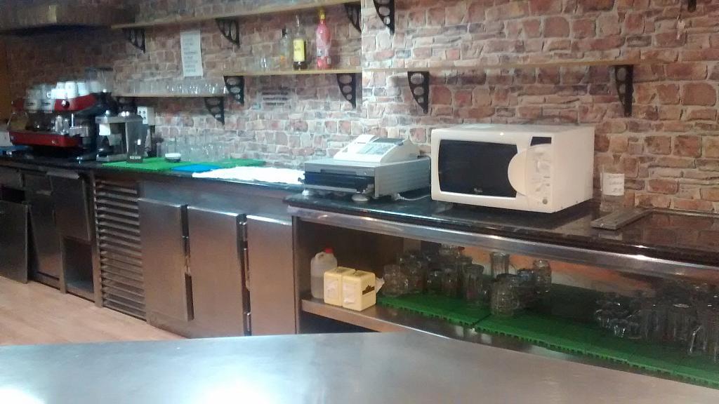 Bar en alquiler en calle Enric Granados, Ensanche Centro en Barbera del Vallès - 204637636