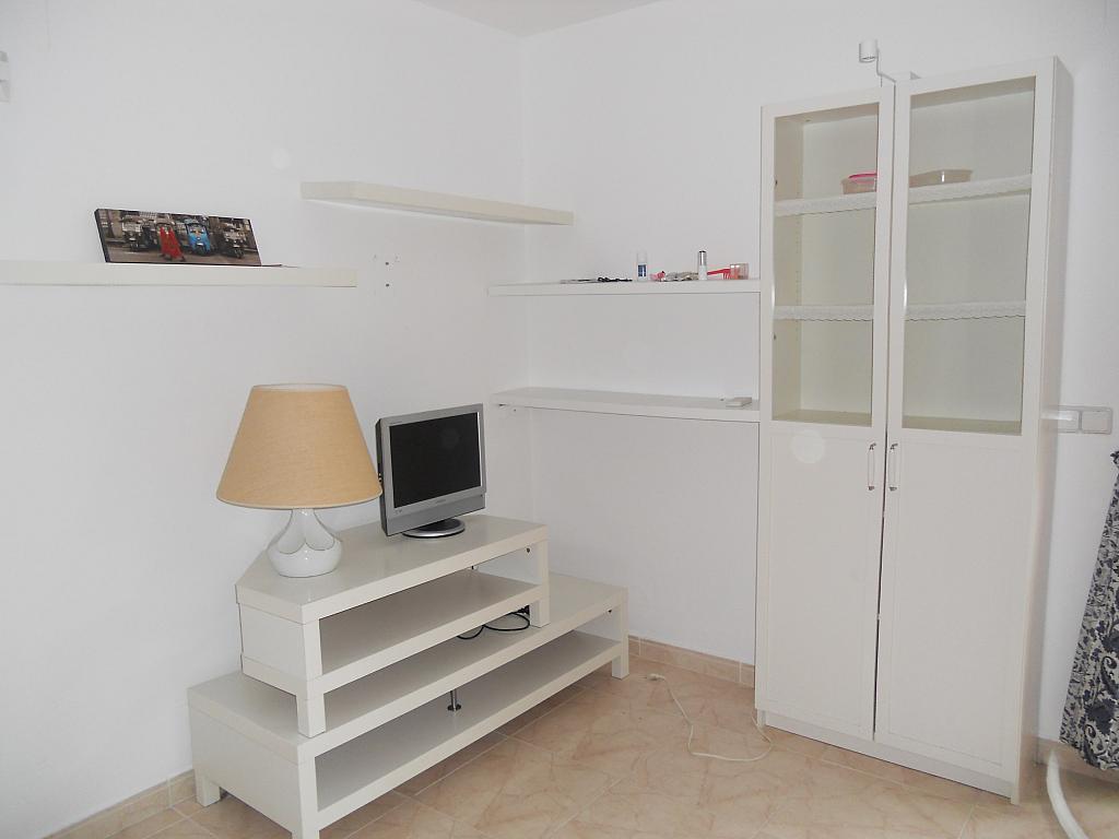 Bajo en alquiler en calle Zaragoza, Sant salvador en Coma-Ruga - 323964076