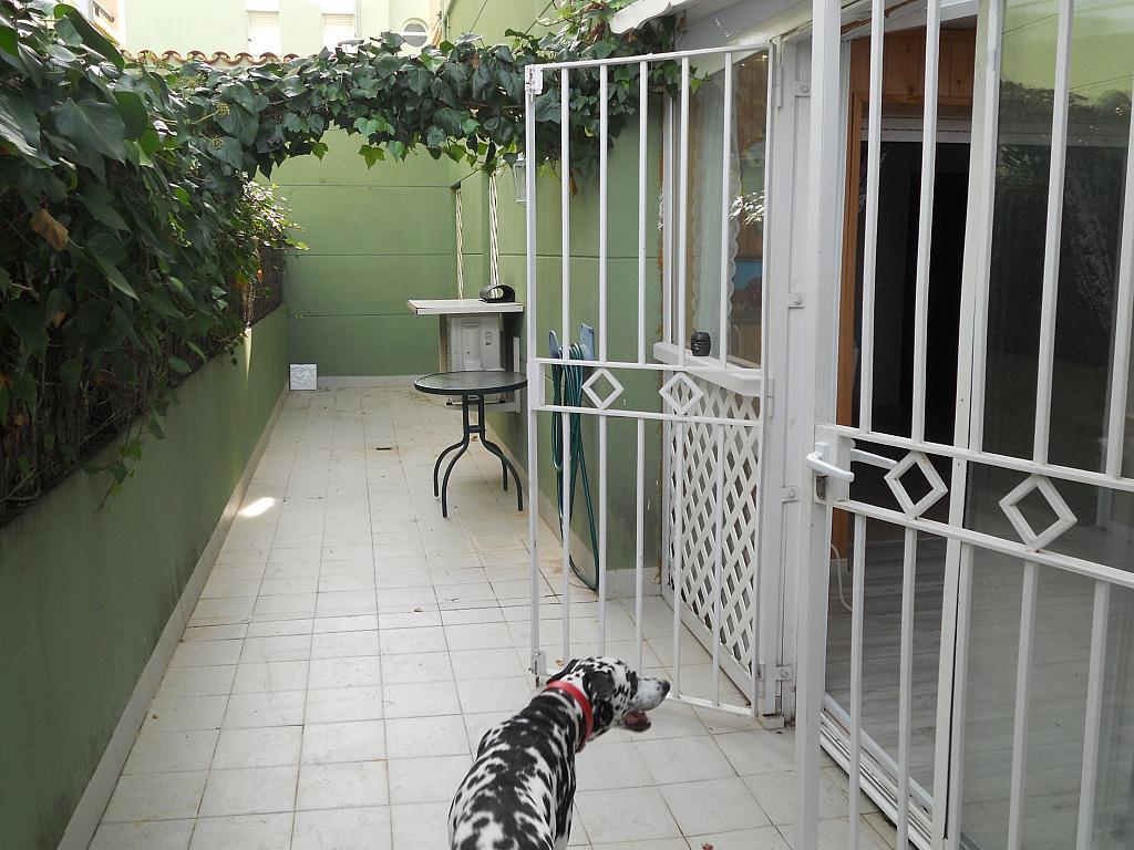 Bajo en alquiler en calle Zaragoza, Sant salvador en Coma-Ruga - 323964133
