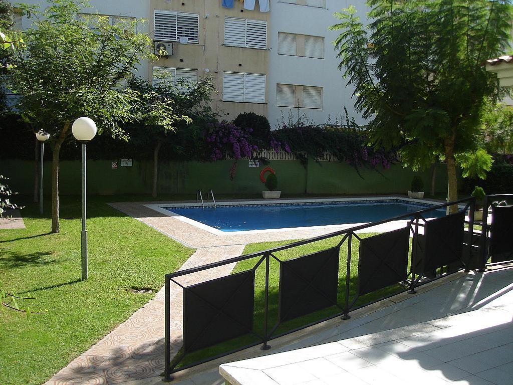 Bajo en alquiler en calle Zaragoza, Sant salvador en Coma-Ruga - 323964137