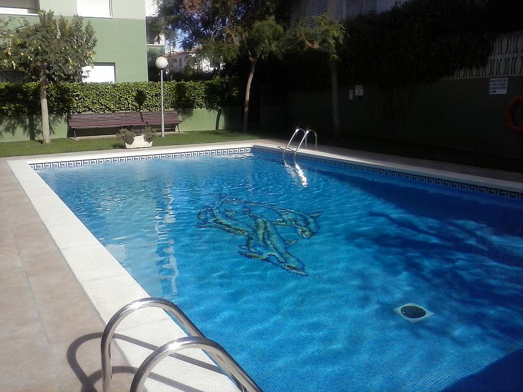 Bajo en alquiler en calle Zaragoza, Sant salvador en Coma-Ruga - 323964144
