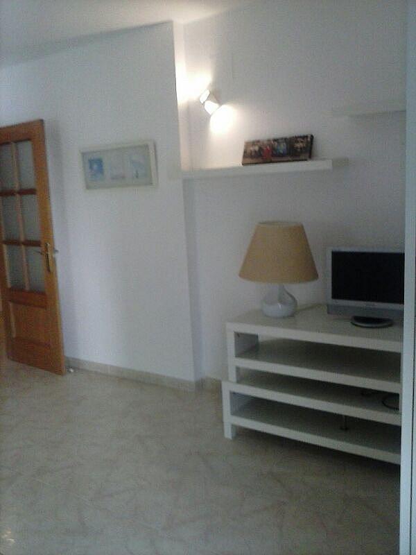 Bajo en alquiler en calle Zaragoza, Sant salvador en Coma-Ruga - 323964151