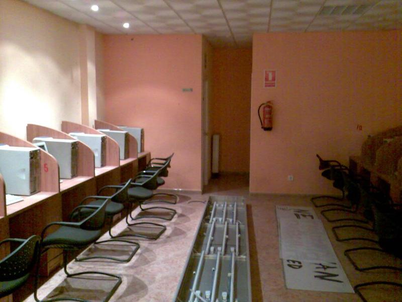 Local comercial en alquiler en calle De Las Provincias, El Naranjo-La Serna en Fuenlabrada - 71054531