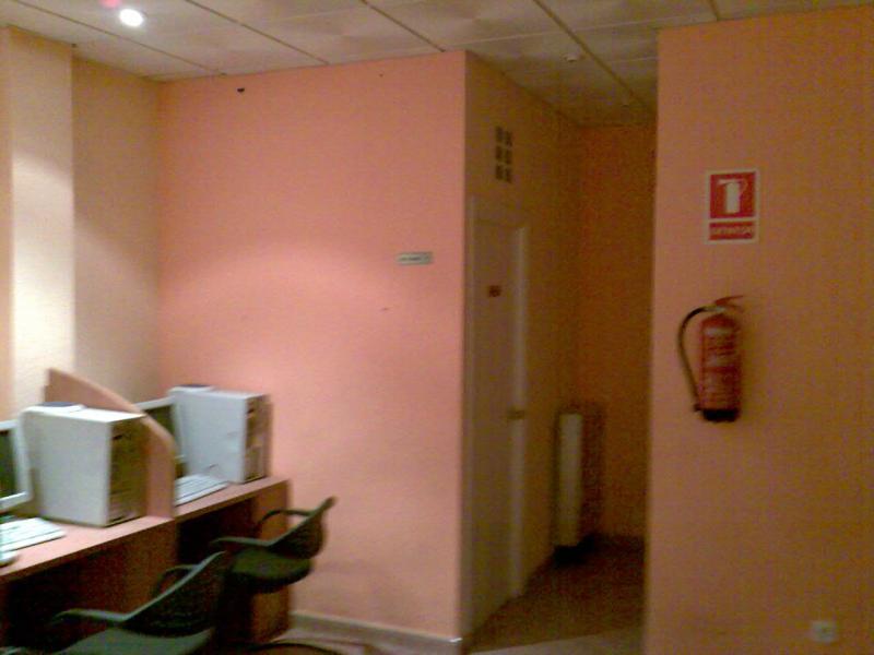 Local comercial en alquiler en calle De Las Provincias, El Naranjo-La Serna en Fuenlabrada - 71054533
