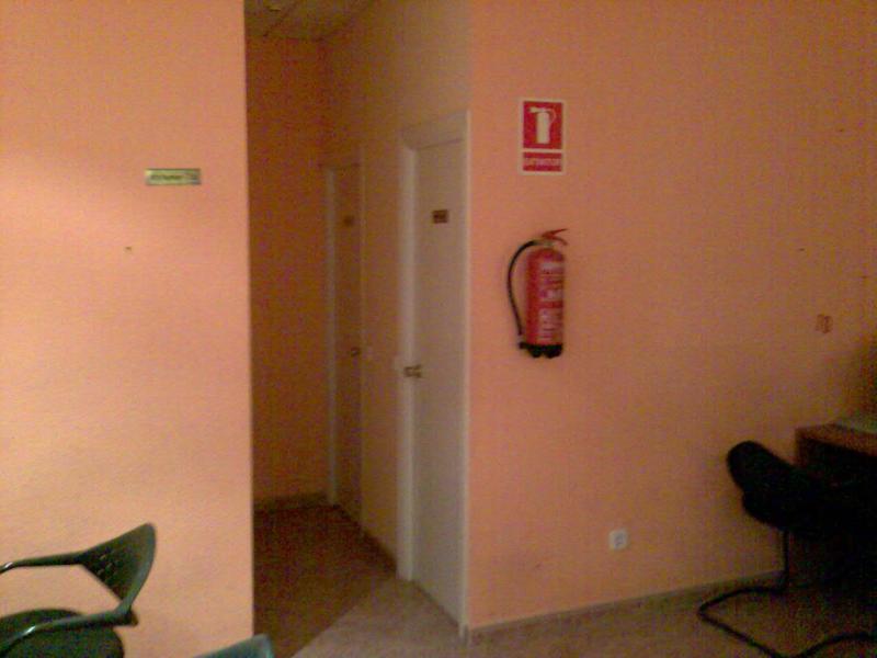 Local comercial en alquiler en calle De Las Provincias, El Naranjo-La Serna en Fuenlabrada - 71054539