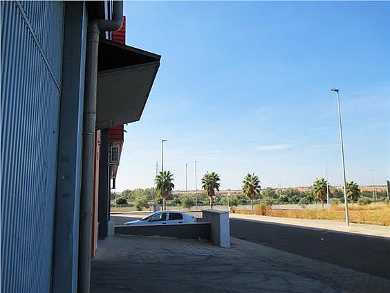 Visible desde autovía A49, con fácil acceso a la misma. Muy buenas comunicaciones. - Local en alquiler en calle Herradores, Carrión de los Céspedes - 333487878