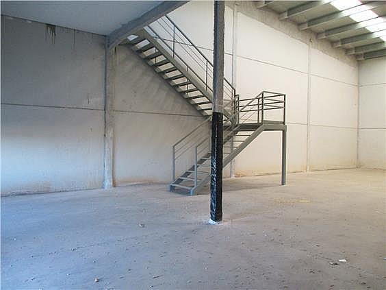 202m2 diáfanos, con entreplanta de 50m2 - Local en alquiler en calle Herradores, Carrión de los Céspedes - 333487884