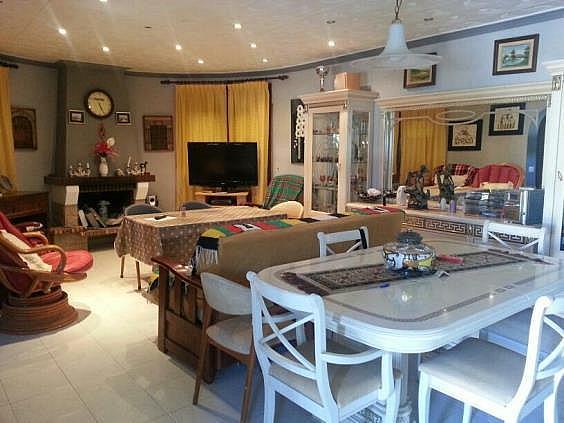 Casa en alquiler en Mont-Roig del Camp - 324584572