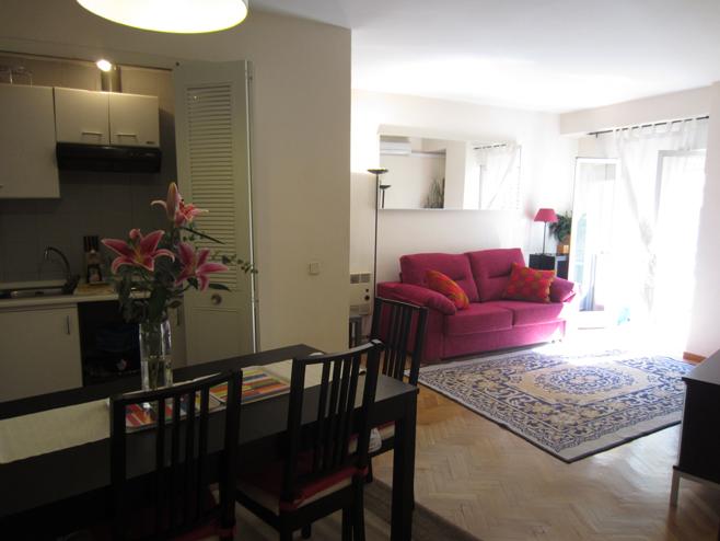 Salón - Apartamento en alquiler de temporada en calle De Las Fuentes, Centro en Madrid - 120673651