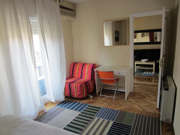 Dormitorio - Apartamento en alquiler de temporada en calle Fuentes, Palacio en Madrid - 120675286