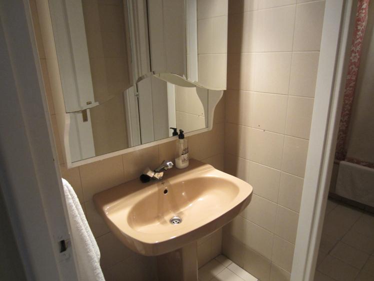 Baño - Apartamento en alquiler de temporada en calle Fuentes, Palacio en Madrid - 120675293
