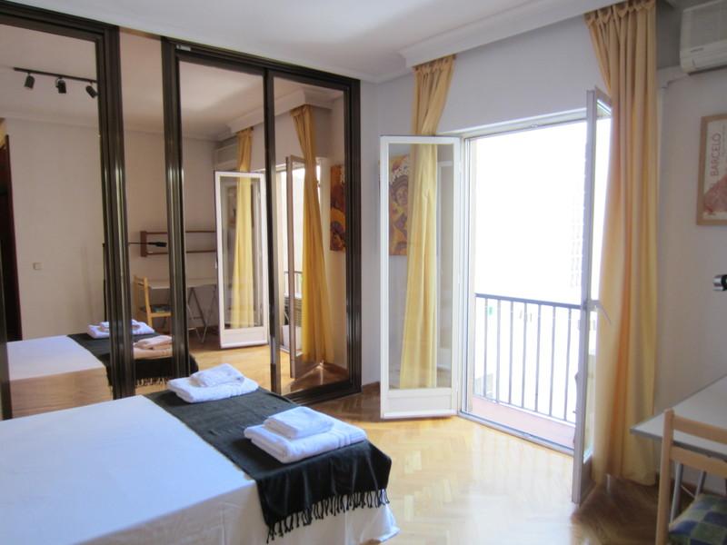 Apartamento en alquiler de temporada en calle Fuentes, Palacio en Madrid - 120675832