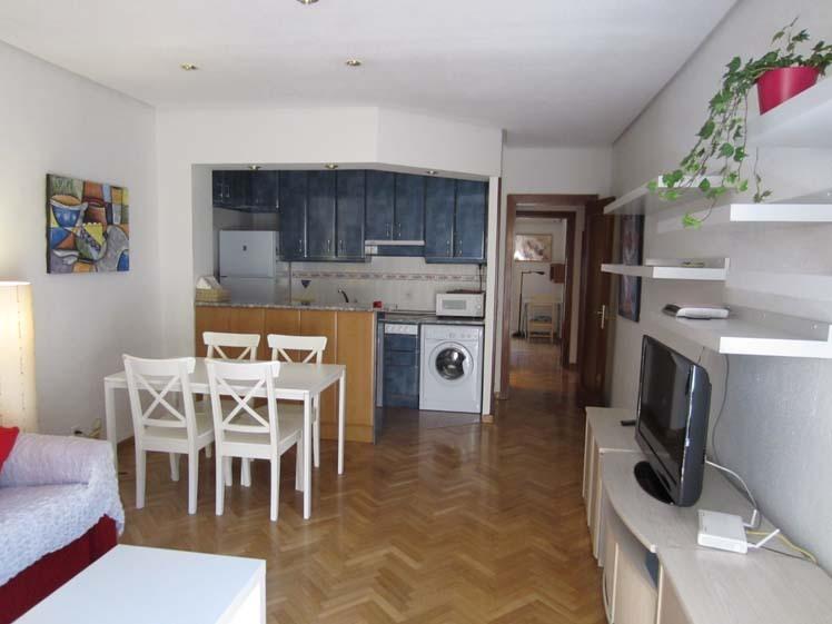 Apartamento en alquiler de temporada en calle Fuentes, Palacio en Madrid - 120675836