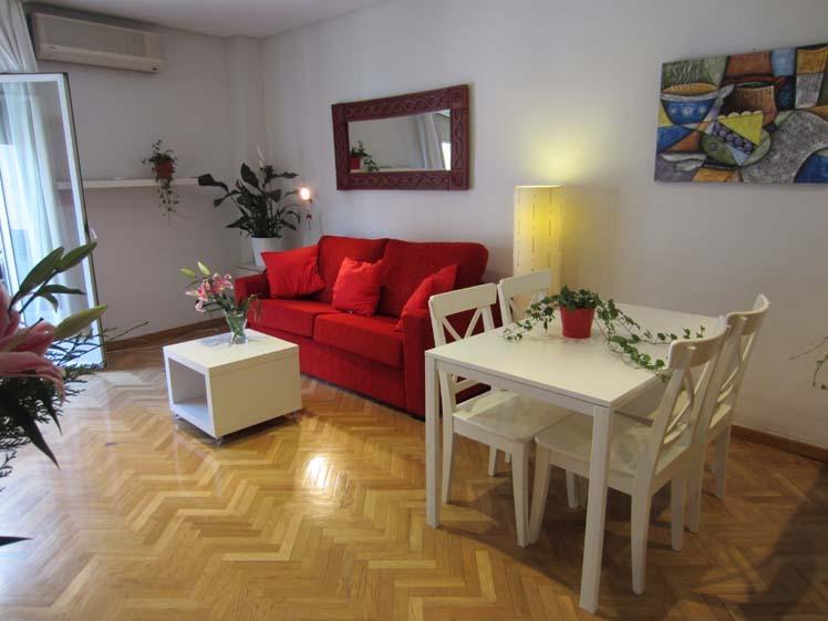 Apartamento en alquiler de temporada en calle Fuentes, Palacio en Madrid - 120675862