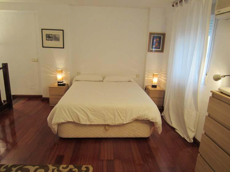 Dormitorio - Dúplex en alquiler de temporada en calle Carrera de San Francisco, Imperial en Madrid - 122567708