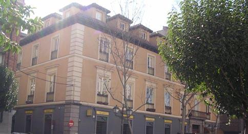 Dúplex en alquiler de temporada en calle Carrera de San Francisco, Imperial en Madrid - 123141198