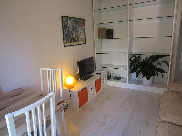 Salón - Piso en alquiler de temporada en calle Ponciano, Palacio en Madrid - 172698380