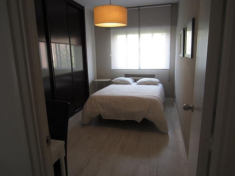 Dormitorio - Piso en alquiler de temporada en calle Ponciano, Palacio en Madrid - 172698393