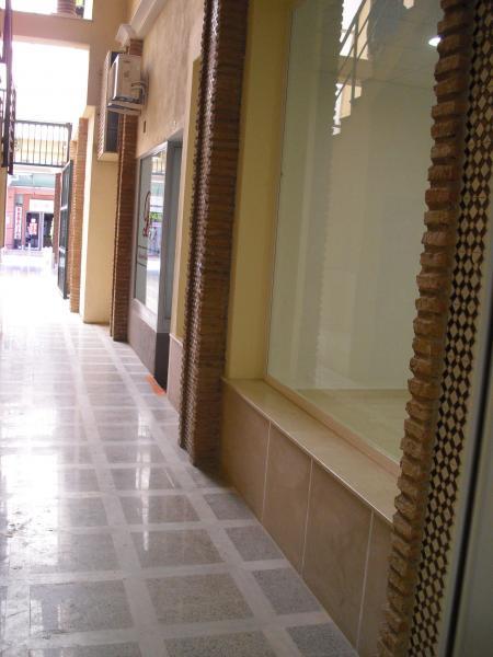 Local comercial en alquiler en calle Camino de Malaga, Camino viejo de Malaga en Vélez-Málaga - 80729051