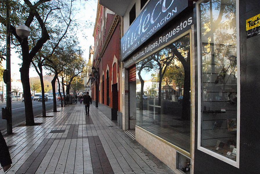 Foto - Local comercial en alquiler en calle Carmonapuerta Osarioamador de L, Macarena en Sevilla - 374366348