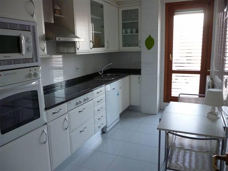 Foto - Ático en alquiler en calle Ensanche, Primer Ensanche en Pamplona/Iruña - 325937131