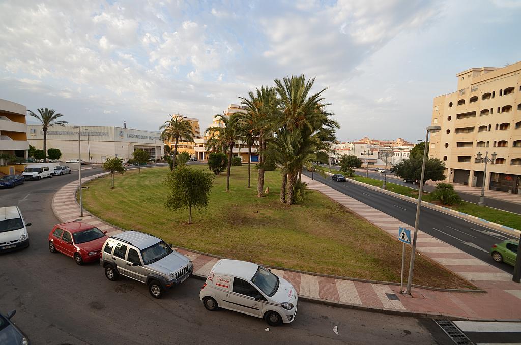 Piso en alquiler en calle Del Sabinar, Urb. Roquetas de Mar en Roquetas de Mar - 296597260