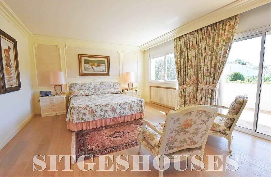 Dormitorio - Casa en alquiler en calle Josep Planas I Robert, Terramar en Sitges - 263611587