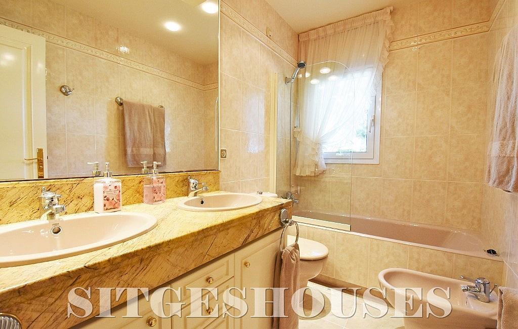 Baño - Casa en alquiler en calle Josep Planas I Robert, Terramar en Sitges - 263611602