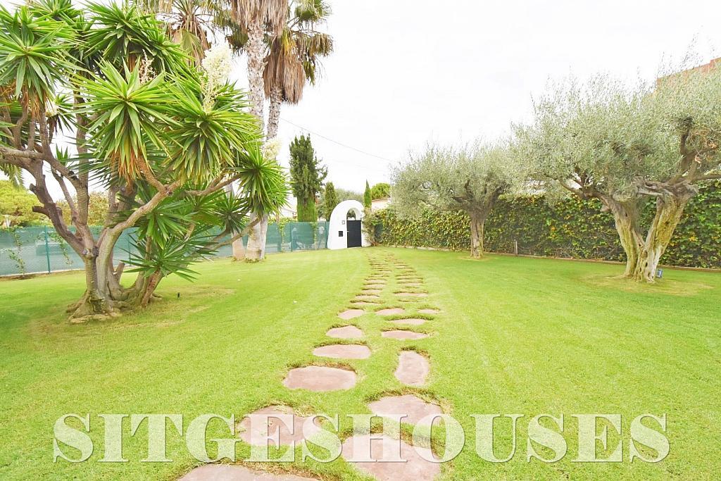 Jardín - Casa en alquiler en calle Avda Navarra, Terramar en Sitges - 322039497