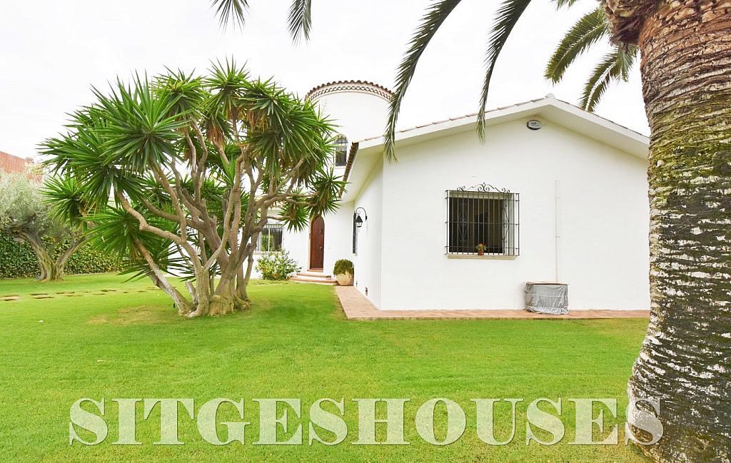 Jardín - Casa en alquiler en calle Avda Navarra, Terramar en Sitges - 322039498