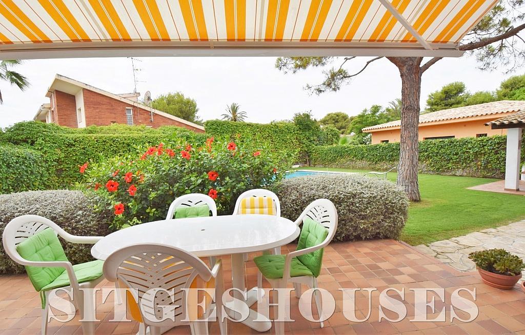 Terraza - Casa en alquiler en calle Avda Navarra, Terramar en Sitges - 322039540