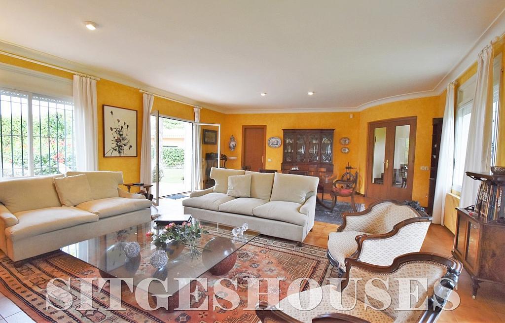 Salón - Casa en alquiler en calle Avda Navarra, Terramar en Sitges - 322039560