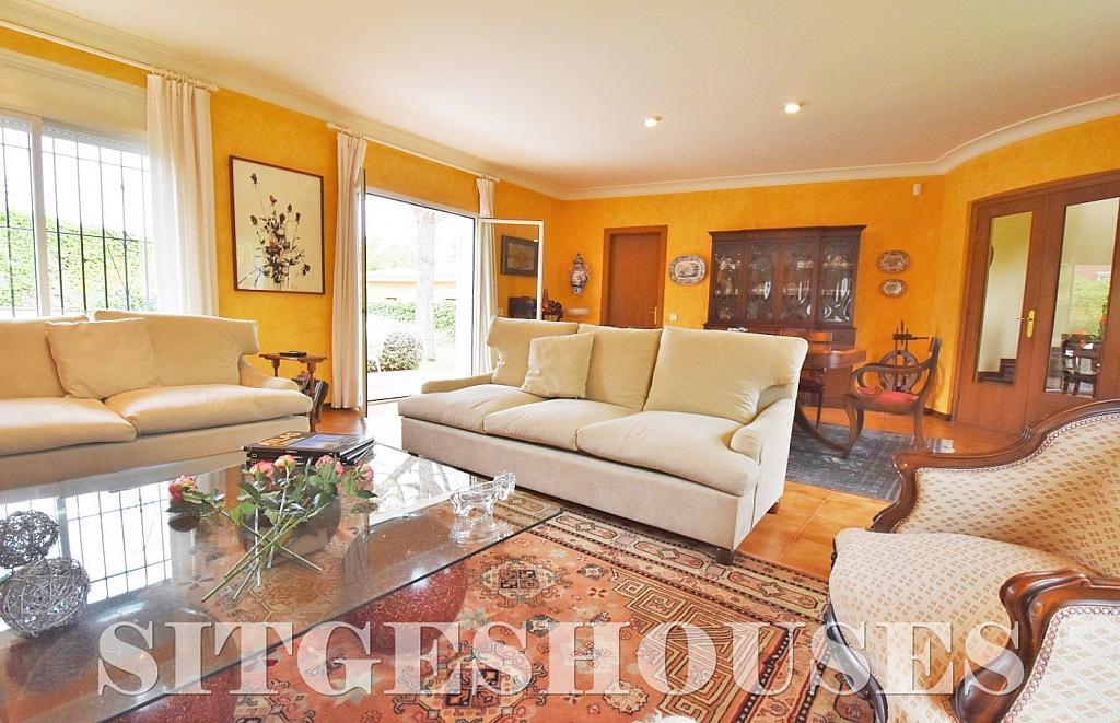 Salón - Casa en alquiler en calle Avda Navarra, Terramar en Sitges - 322039566