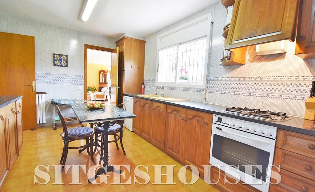 Cocina - Casa en alquiler en calle Avda Navarra, Terramar en Sitges - 322039569