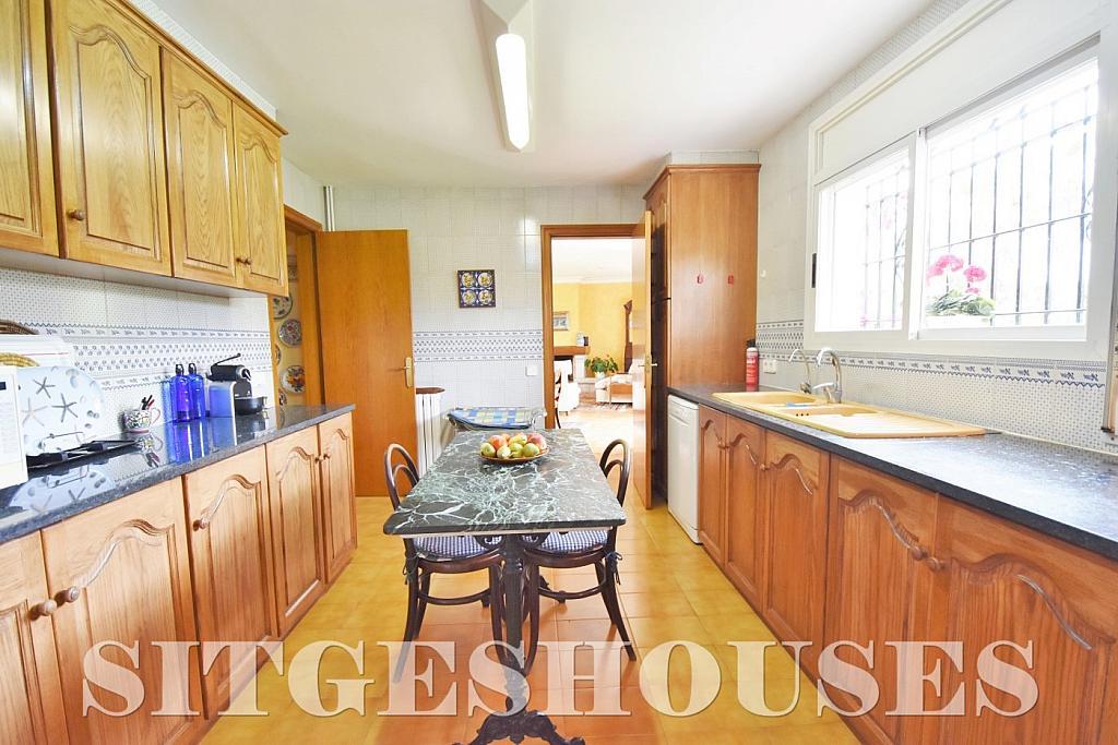 Cocina - Casa en alquiler en calle Avda Navarra, Terramar en Sitges - 322039572